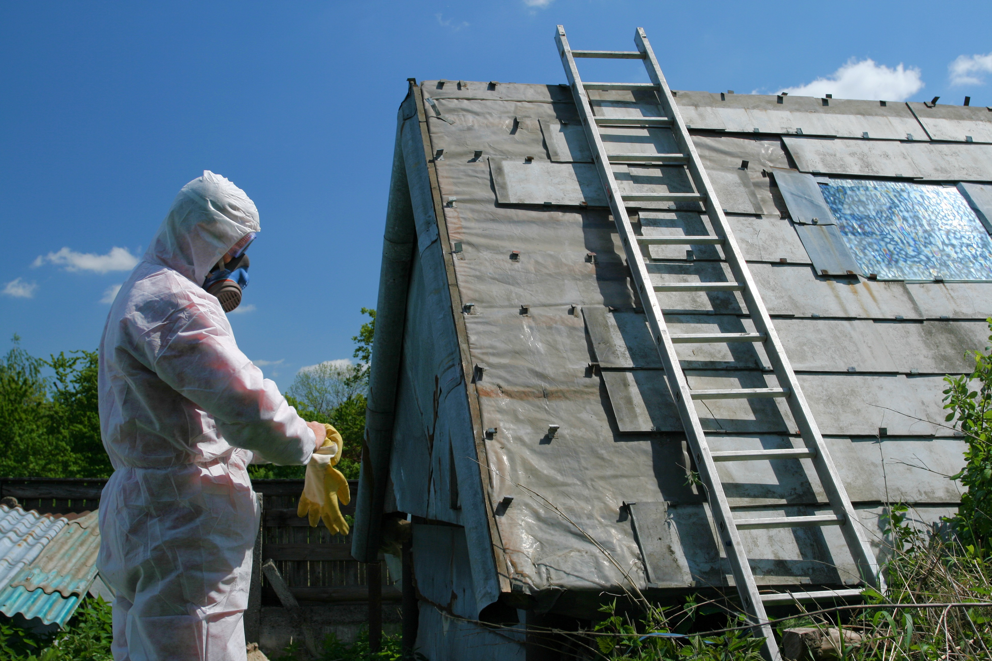 Why it's so important to hire a safe asbestos removal company